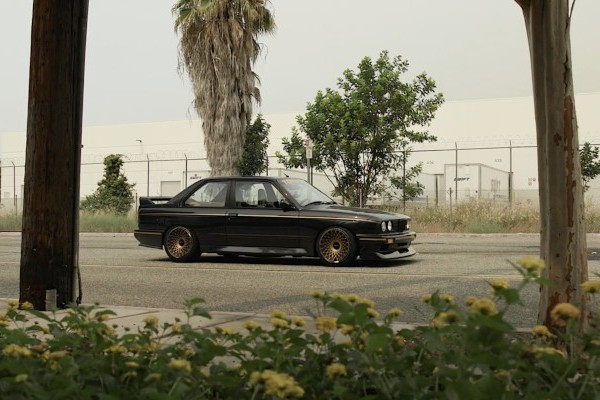 Video: BMW M3 E30 + Rotiform LHR-F + Toyo Tires